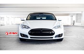 13' Tesla Model S BlackOut