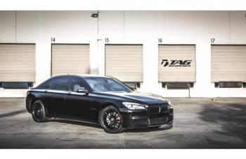 14' BMW 7 SERIES W/ TAG BLACKOUT