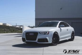 15' RS5 ON HRE FF15
