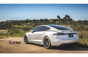 15' Tesla on HRE FlowForm