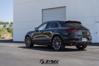 16' Macan with TechArt Springs