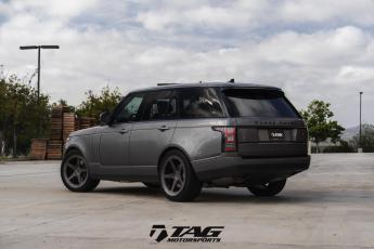 "16' Range Rover on 22"" Vossen LC103 Wheels"