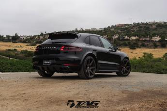 "16' Techart Macan Widebody on 22"" HRE RS308M"