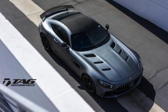 18' AMG GT-R