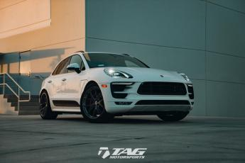 17' Macan GTS on HRE P101