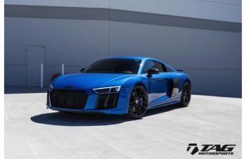 17' R8 ON HRE P104 AND AKRAPOVIC