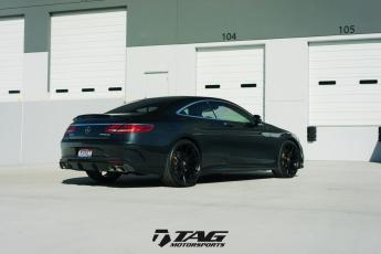 "17' S65 Coupe on 22"" HRE P204"