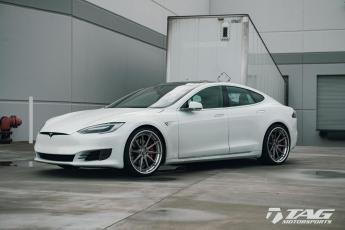 """17' Tesla Model S P90D on 22"""" ADV10 Wheels"""