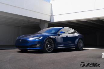 """17' Tesla Model S P90D on 21"""" HRE 303M"""