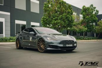 17' Tesla S Vossen VF2