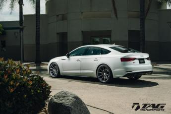 "18' B9 S5 Sportback on 20"" Vossen VFS10 Wheels"