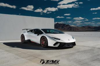 18' Performante on HRE R101LW