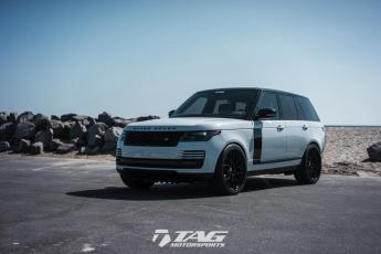 "18' Range Rover Full-Size on 24"" HRE S200"