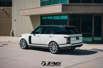 "18' Range Rover on 24"" HRE 943RL"