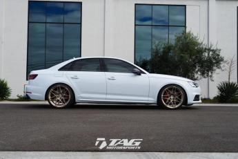 18' S4 on HRE RS200M