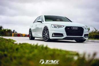 18' S4 on Vossen HF-2 Wheels