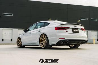 "18' S5 Sportback on 20"" HRE RS208M"