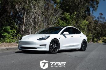 18' Tesla Model 3