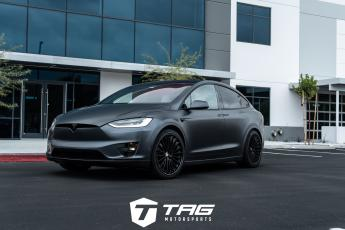 17' Tesla Model X P100D on HRE S209H Wheels