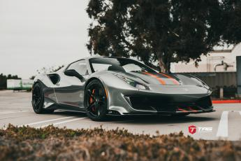 488 Pista on HRE P207 Wheels