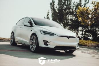 Tesla Model X on HREs with Novitec Carbon Package