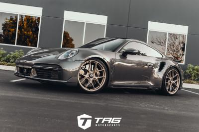 A SICK 992 TURBO S ON HRE R101LW WHEELS