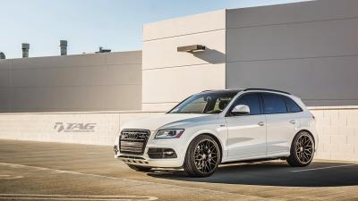 """2015 Audi SQ5 on 22"""" HRE Classic 300M"""