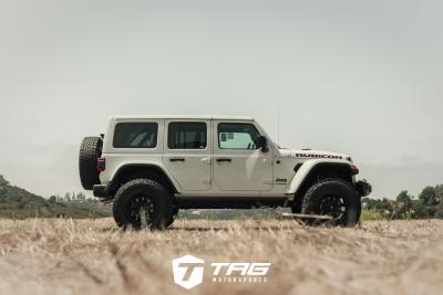 JEEP RUBICON WITH FUEL WHEELS AND COASTLINE PERFORMANCE PACKAGE!!